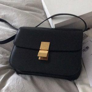 Celine • Classic Medium Box Bag